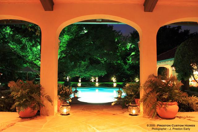 Preston Custom Homes - Preston Hollow Estate mediterranean-pool