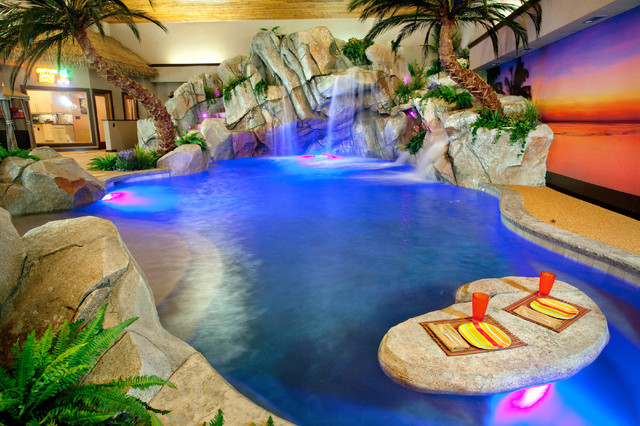 Private indoor residence tropical pool cincinnati for Private indoor swimming pools