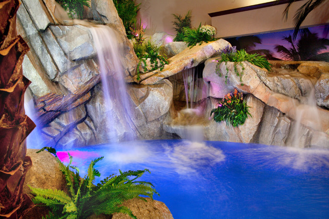 Private Indoor Residence - Tropical - Pool - cincinnati ...