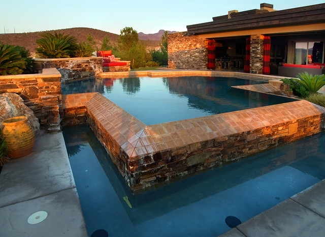 Private Residence Traditional Pool Las Vegas By RDZine