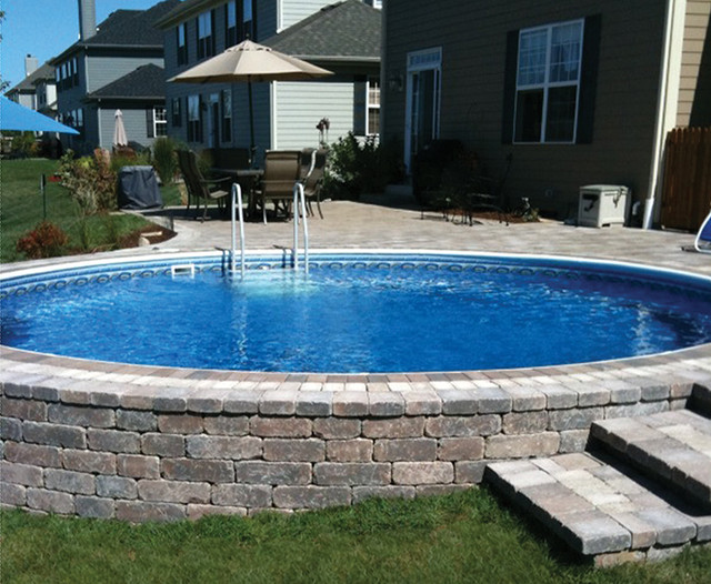 Round Semi In Ground Pool With Pavers