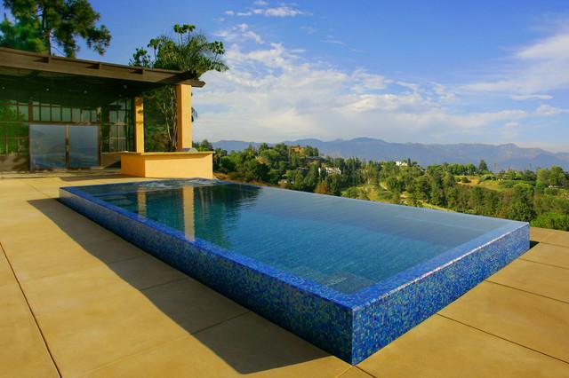 Raised zero edge plunge pool amp spa design by gary m sewell jr