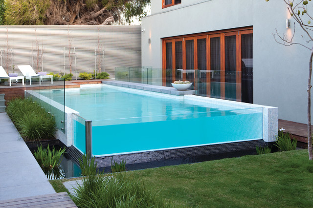 Design ideas for a contemporary aboveground pool in Melbourne.