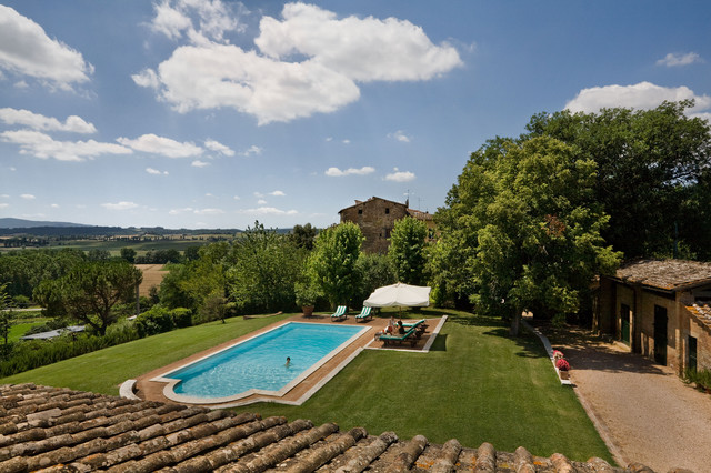 Renovated Tuscan Farm House, Siena, Italy mediterranean pool