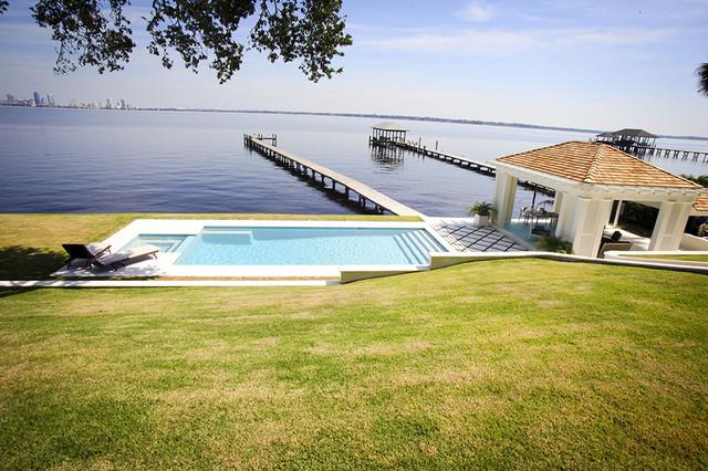 Residential pools jacksonville linear pools bauhaus for Pool von bauhaus