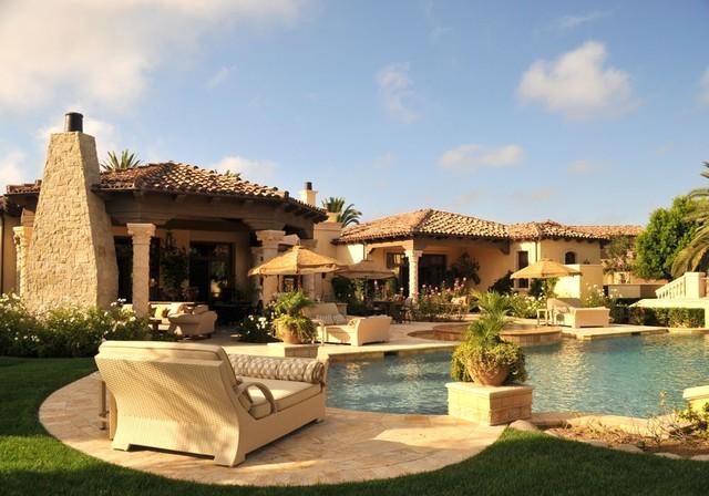 Resort Living By The Pool In Ranch Santa Fe