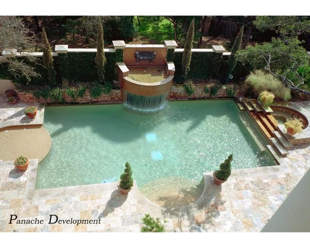 Resort  living mediterranean-pool