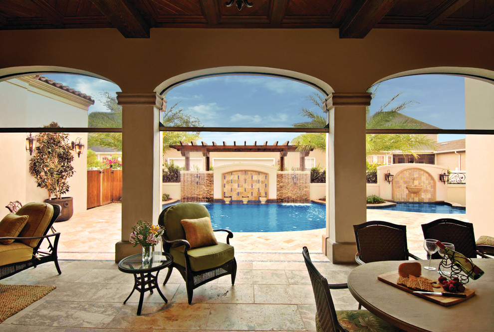 Example of a tuscan pool design in Orlando