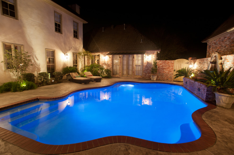 Example of a trendy pool design in New Orleans