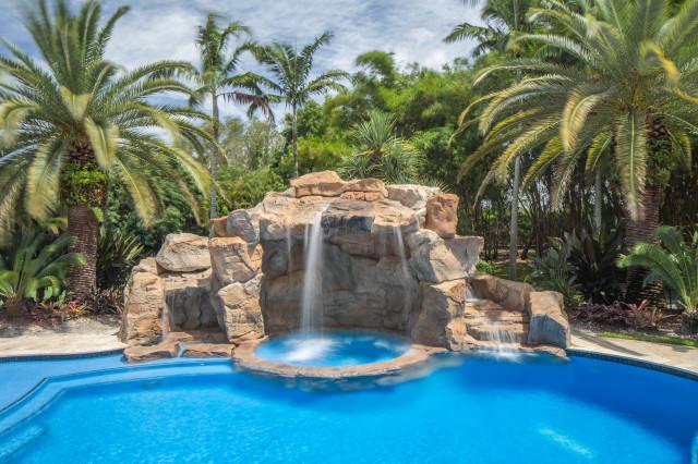 Rock Themed Swimming Pool & Spa in Davie, Florida ...