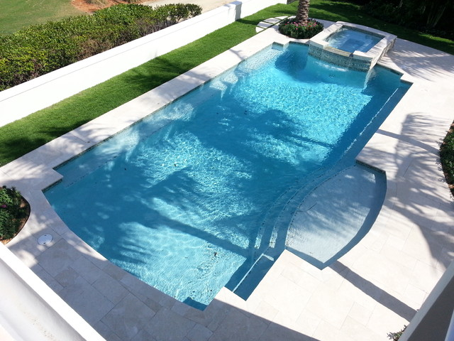 Pool - contemporary pool idea in Miami