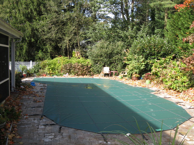 Project 23 - Residential Loop-Loc Swimming Pool Cover / Fall 2013