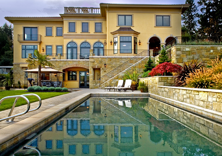 Example of a tuscan pool design in Seattle