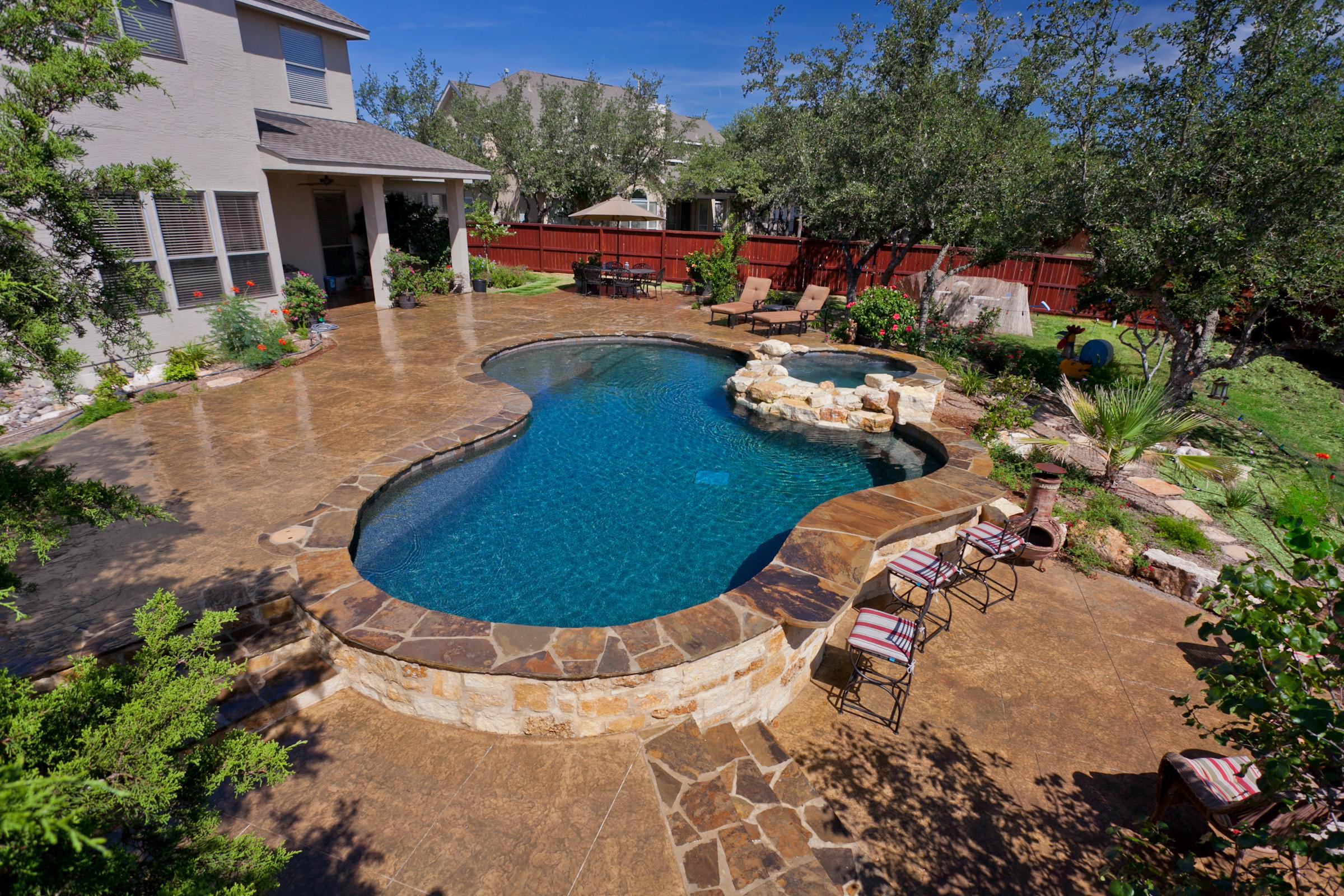 San Antonio Freeform Pool/Spa/Seat Wall/Bar