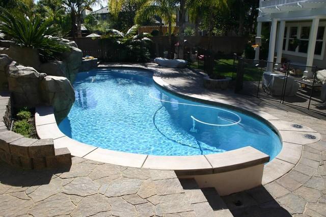 Backyard With Pool Remodel : San Diego Backyard Pool Remodel  Tropicale  Piscina  san diego  di