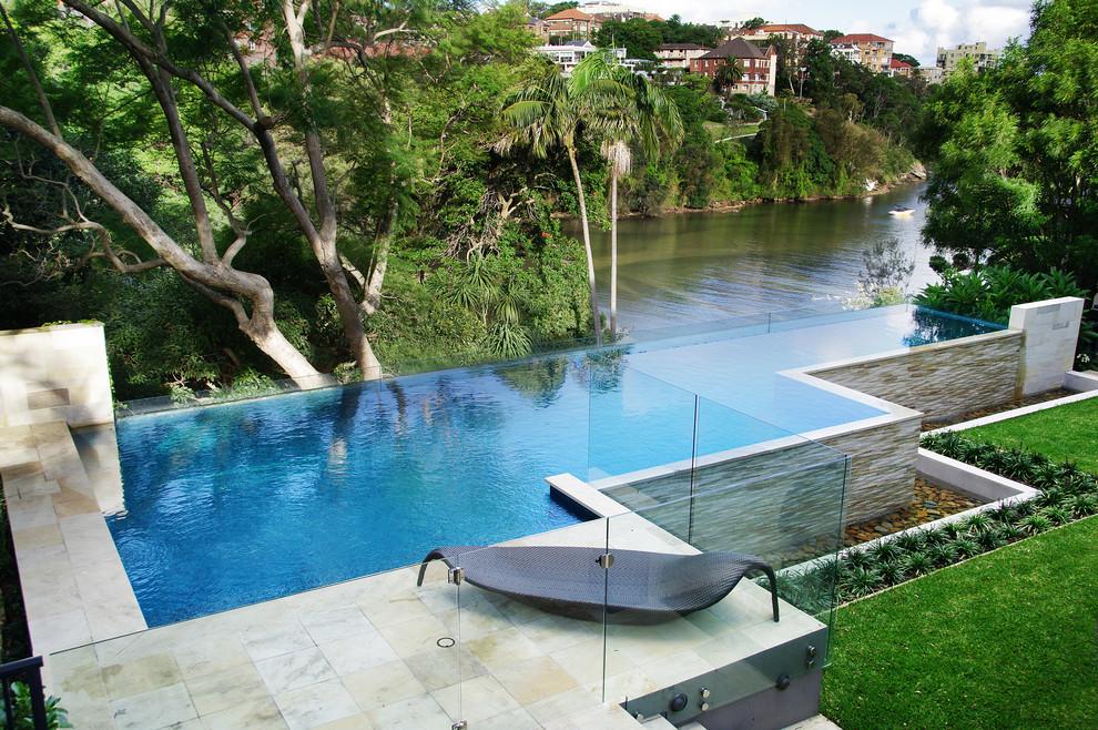 Trendy infinity pool photo in Sydney