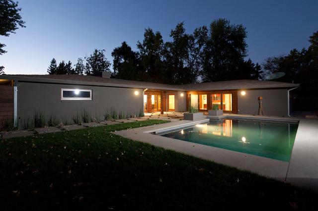 Sherwood modern-pool