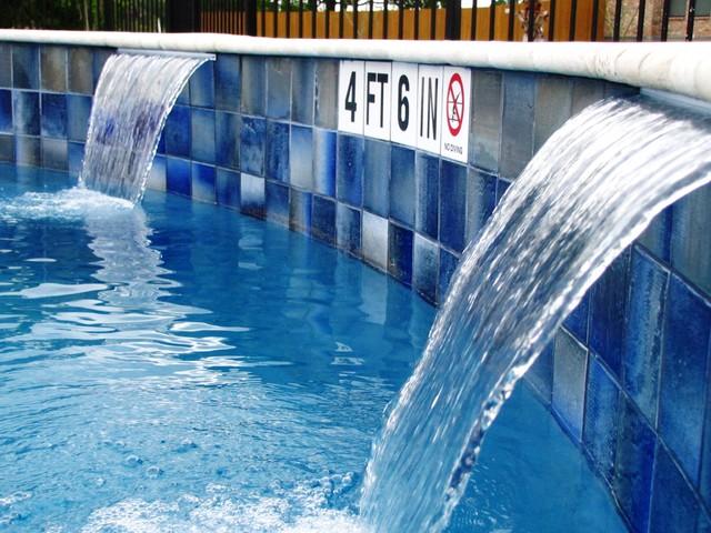 Siena Community traditional-pool
