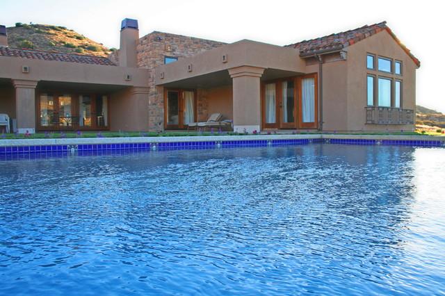 Sierra Highway - Tuscan-inspired Contemporary mediterranean-pool