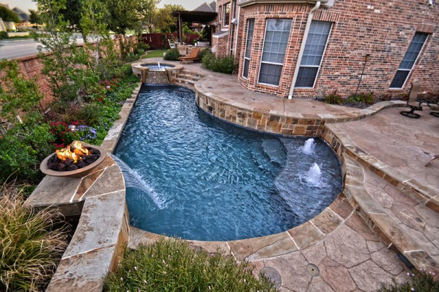 Simply Geo Pool In Small Yard Contemporary Pool