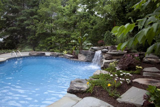 Small lagoon pool - Tropical - Swimming Pool - Newark - by Jardin ...