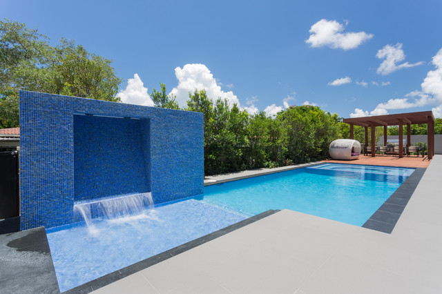South Miami Townhouse contemporary-pool