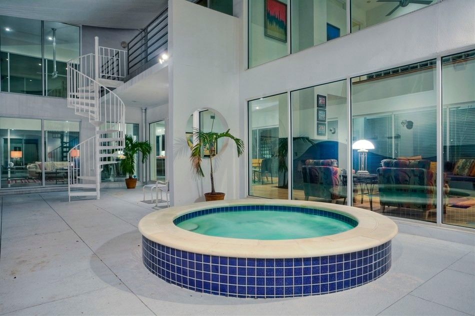 South Tampa Modern Home