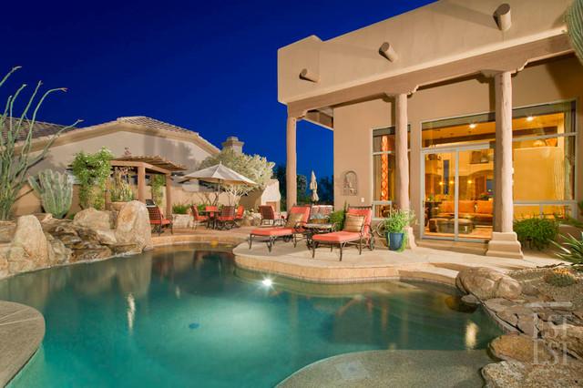 Southwest Residence 1 mediterranean-pool