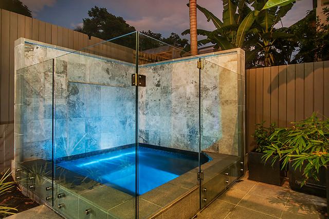 Spa fencing paddington contemporary pool brisbane for Plexiglass pool fence