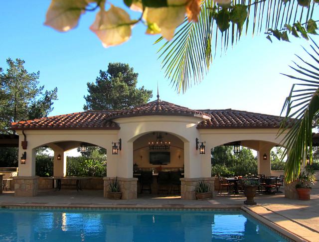 Spanish Style Pool Cabana In Santa Barbara Mediterranean Pool Santa Barbara By Santa