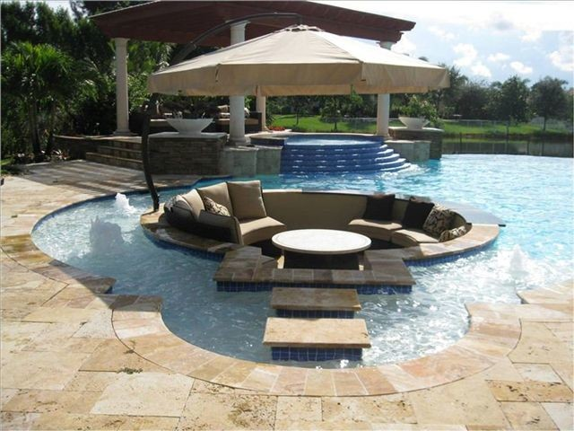 Special Features Traditional Pool