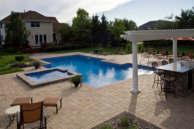 Spill-over Spa with Geometric Pool traditional-pool