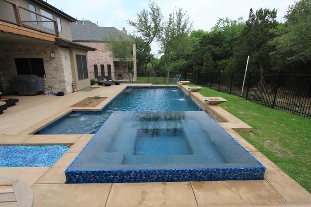 Spring 2013 contemporary-pool