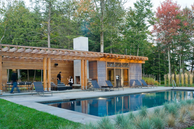 Stowe vermont pool house moderne piscine burlington for Construction pool house piscine