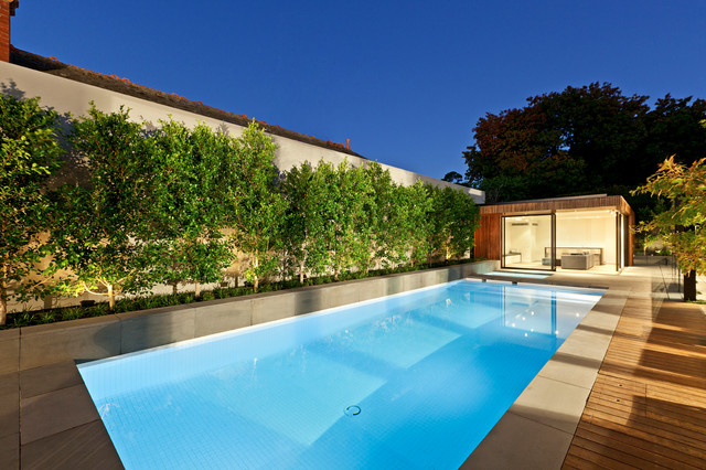 Streamline Elegance modern-pool