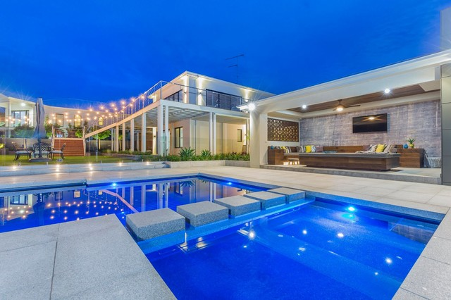 Stunning symphony pool harmony wading area and neptune for Pool design geelong