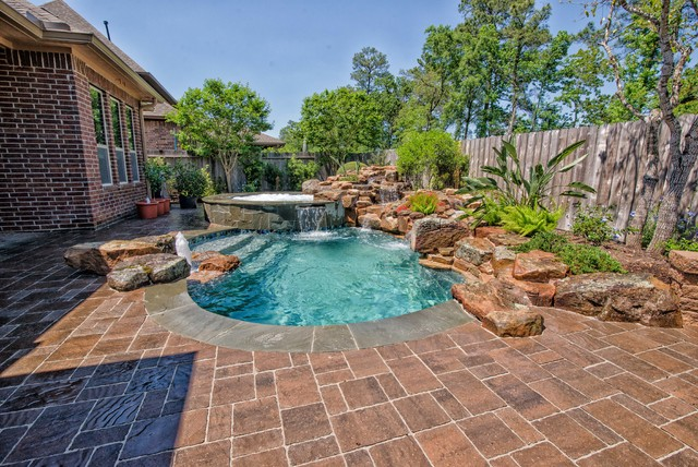 Suburban courtyard pool and spa transitional pool for Courtyard designs with spa