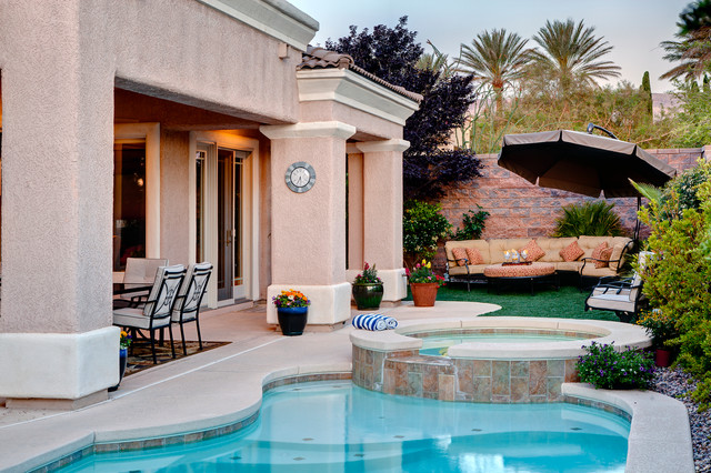 Summerlin Home - Backyard traditional-pool