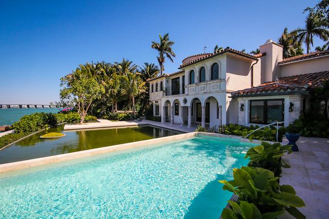 Sunset Island - Classic/Straight Edge Pool mediterranean-pool