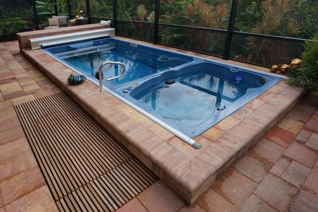 Swim spa with automatic pool cover tropical pool - Covering a swimming pool with decking ...