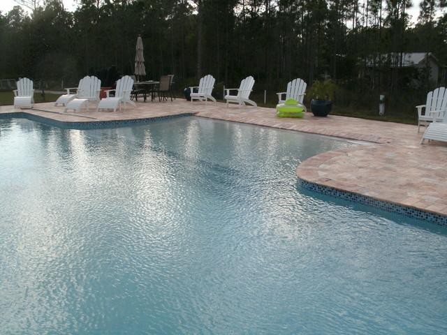 Swimming pool w/negative edge modern-pool