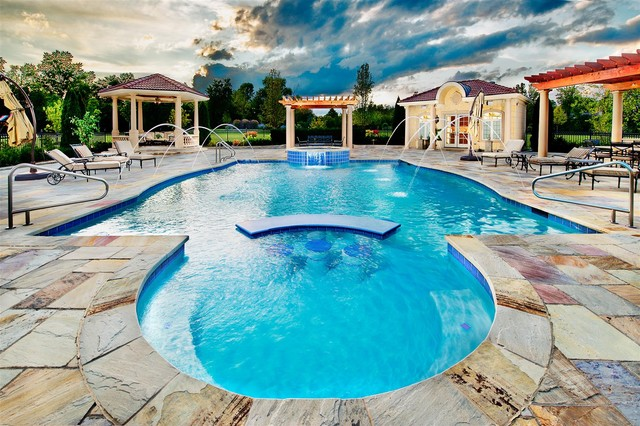 Swimming Pools Chicago: Platinum Pools mediterranean pool