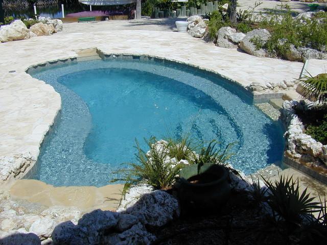 Tavernier fl residential pool spa combo modern pool for 305 salon tavernier