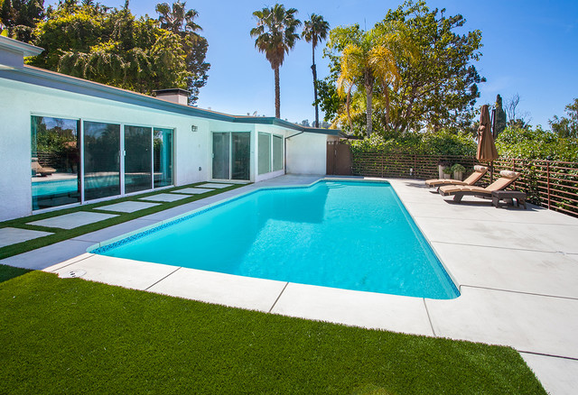 Tehrani sherman oaks modern pool los angeles by for Garden oaks pool