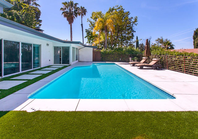 Tehrani sherman oaks modern swimming pool hot tub for Garden oaks pool