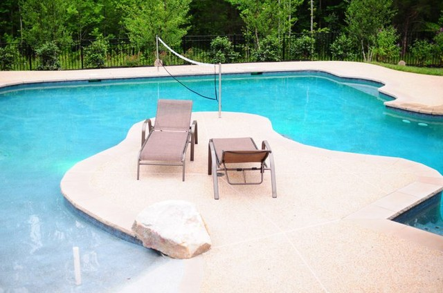 The Glens contemporary-pool