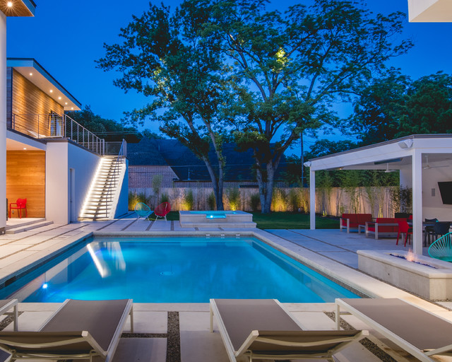 The jetsetter dallas contemporary pool dallas by for Bauhaus pool