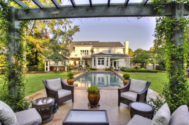 The Manor at Oak Meadows traditional-pool