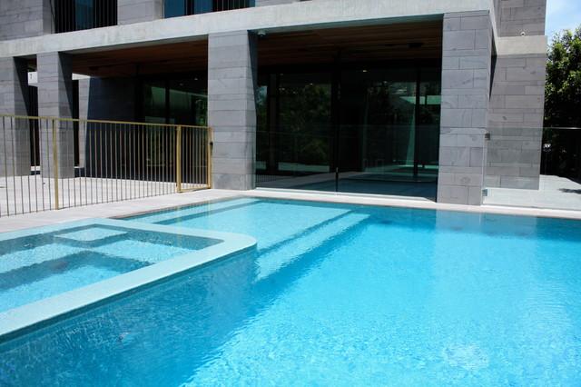 brighton 2 modern pool melbourne by minke pools. Black Bedroom Furniture Sets. Home Design Ideas