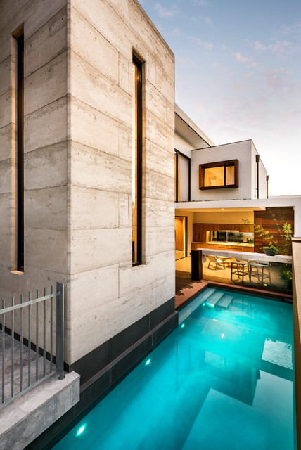The vincent show home pool perth by austurban homes for Pool show perth